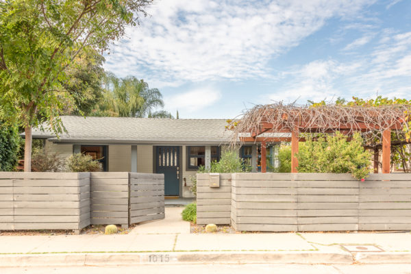 Pocket Listing in Highland Park! 2 Beds / 1 Bath + 1 Bed / 1 Bath bonus space!