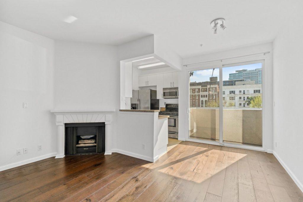 620 S Gramercy - Studio 2