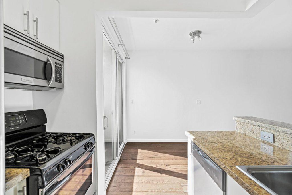 620 S Gramercy - Kitchen 2
