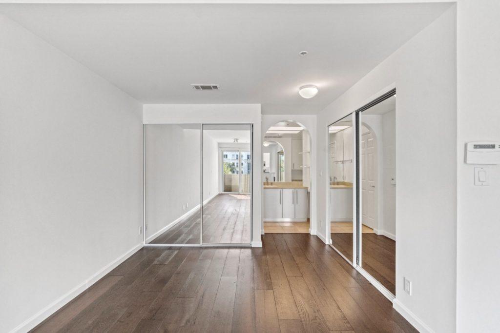 620 S Gramercy - Bedroom