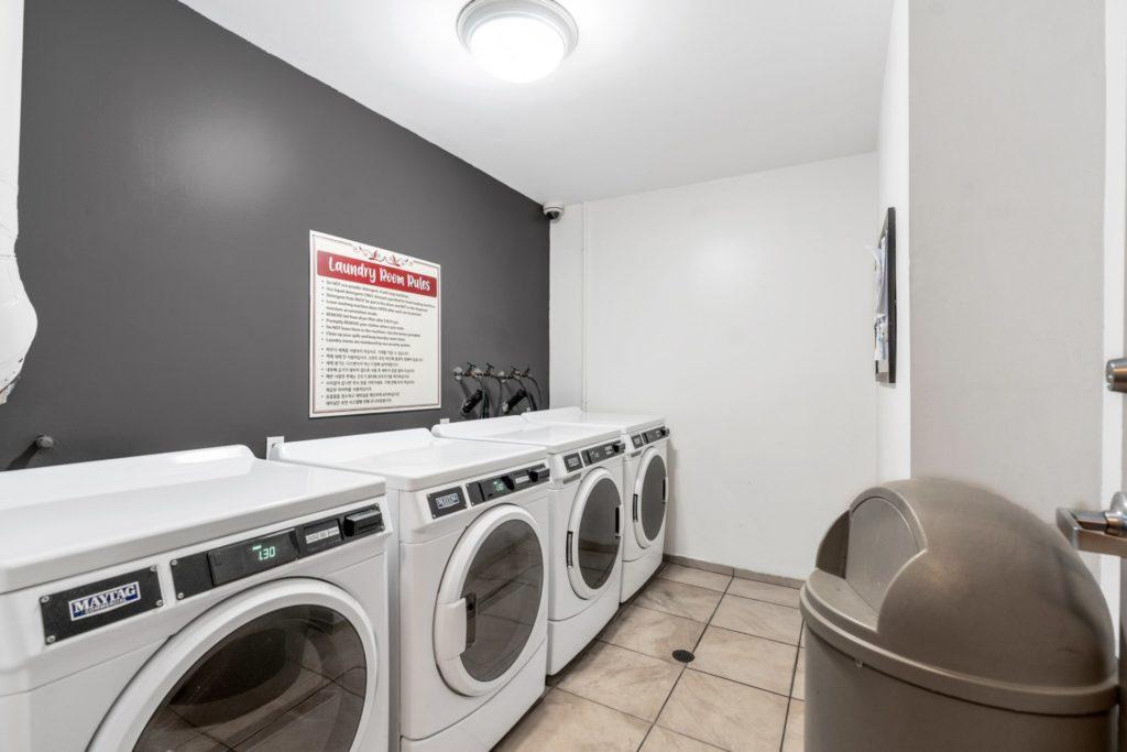 620 S Gramercy - Laundry
