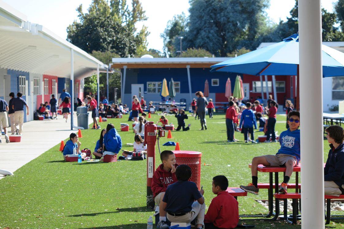 Brookfield School 3cKspX